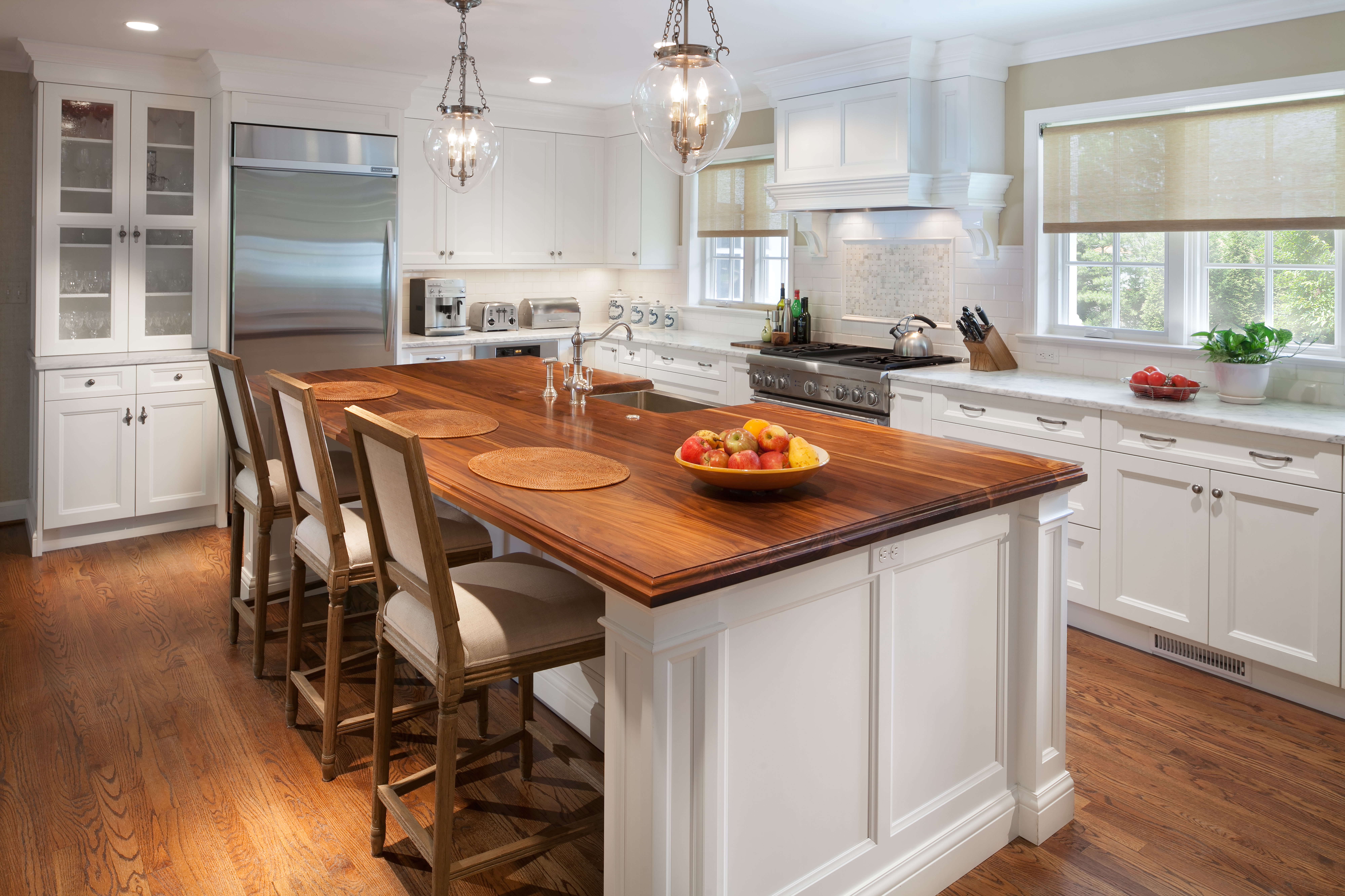3 Tricks Kitchen Designers Use to Make a Small Kitchen Feel Larger