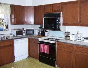 example of bad kitchen cabinet layout