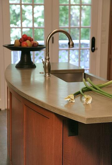 kitchen remodleing with concrete countertop