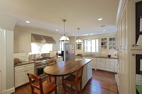 kitchen remodeling with wood and silestone countertops
