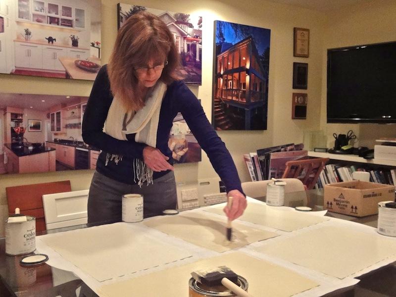 interior designer leslie roosevelt of gilday renovations preps color swatches