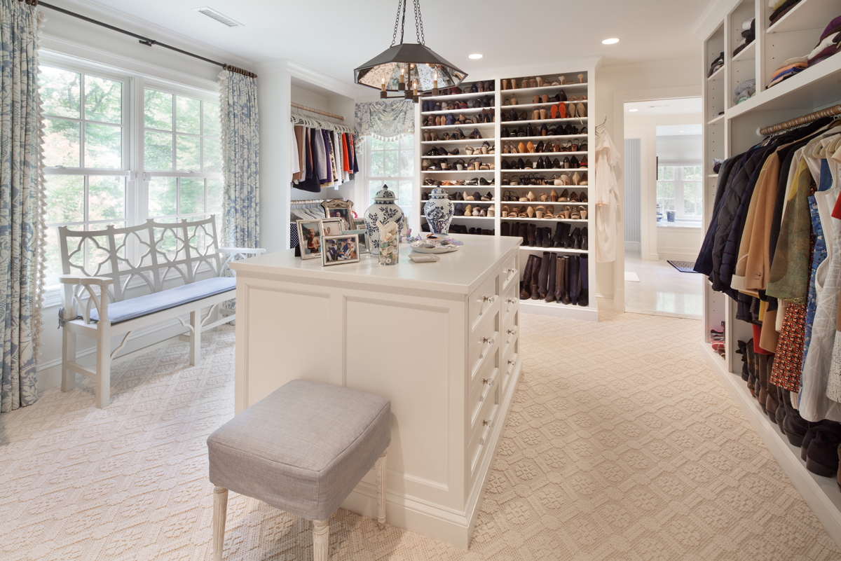 walk in closet dressing room