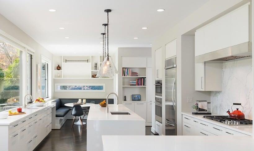white-kitchen-with-breakfast-nook