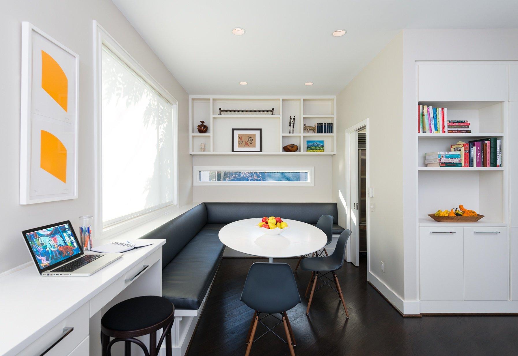 Breakfast Nook and Desk