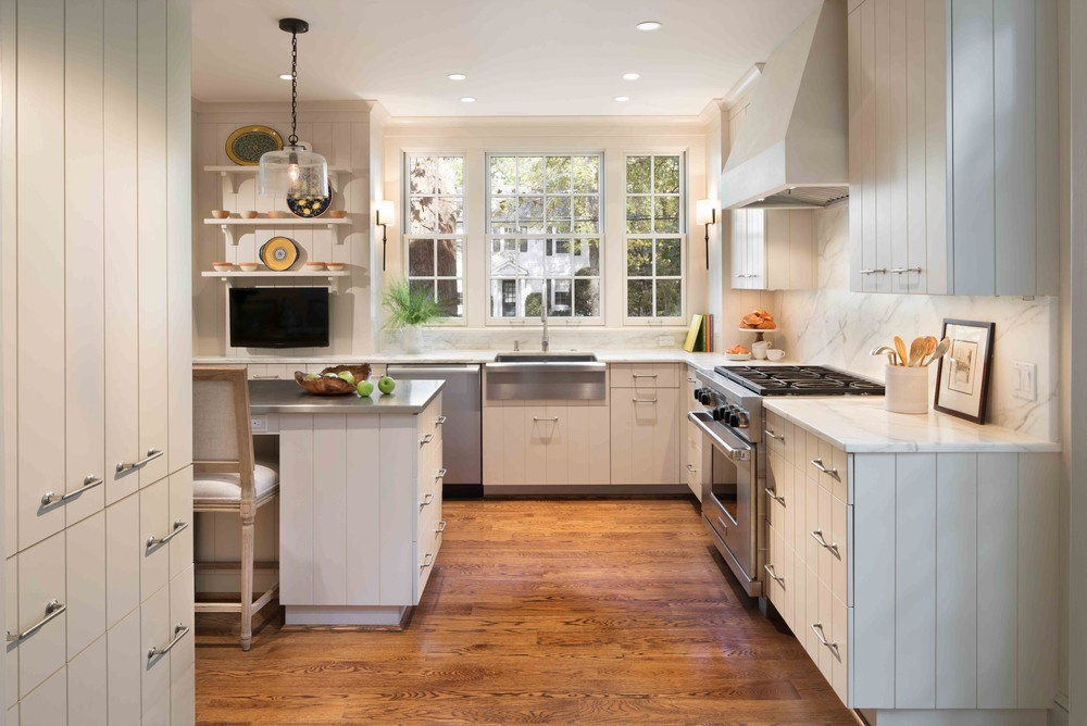Stainless Steel Appliances and Desk Nook