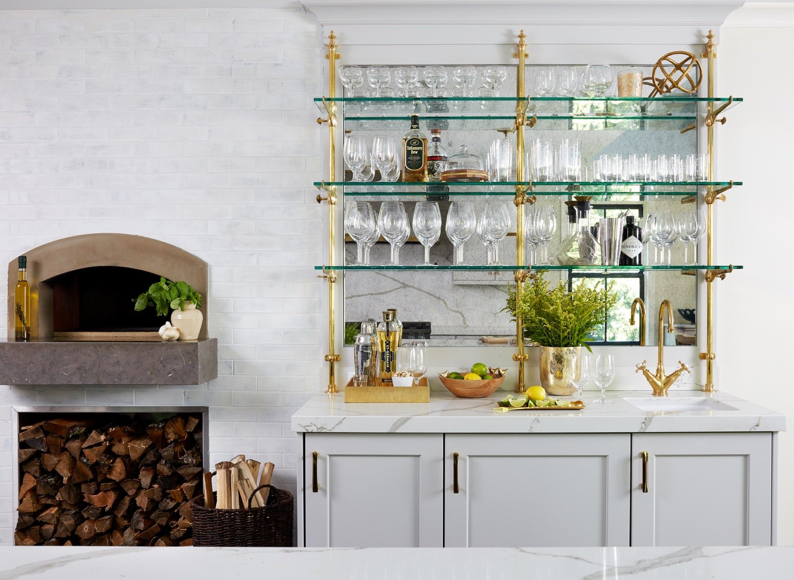 Pizza Oven and Bar