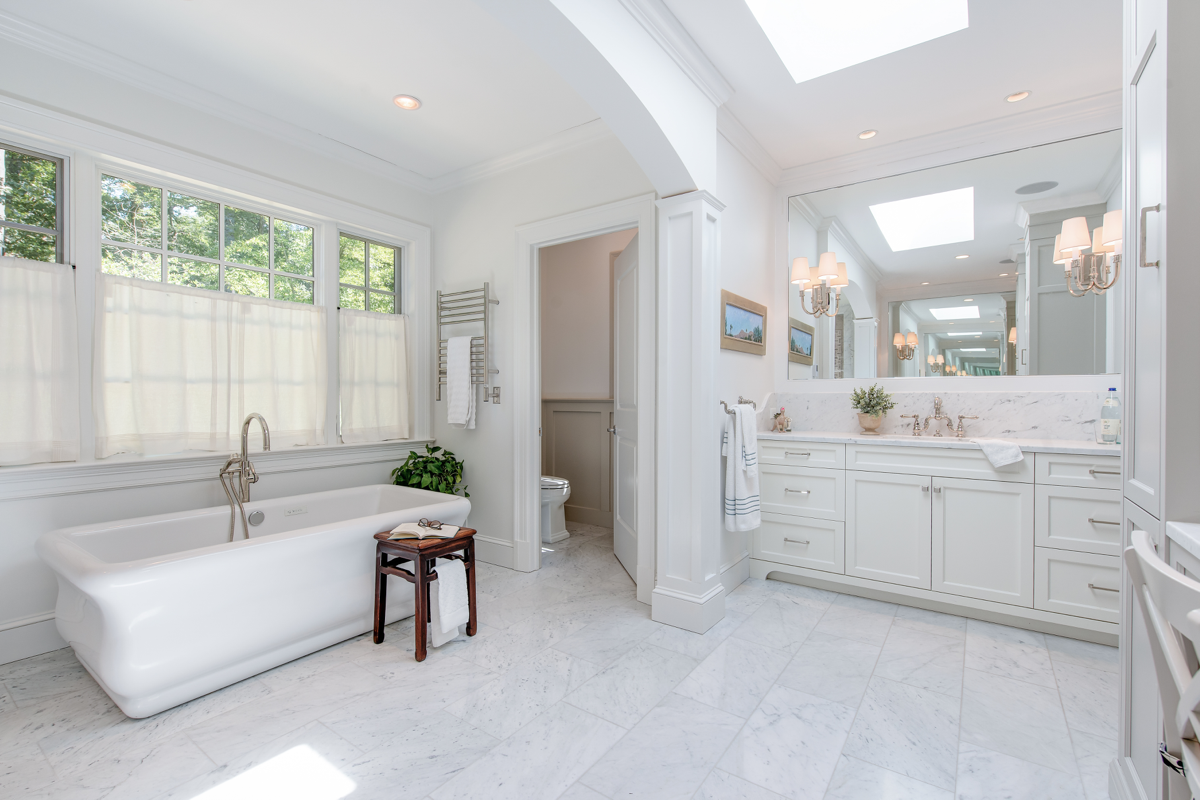Right Size & Right Aesthetic: Bringing Your Master Bath into the 21st Century